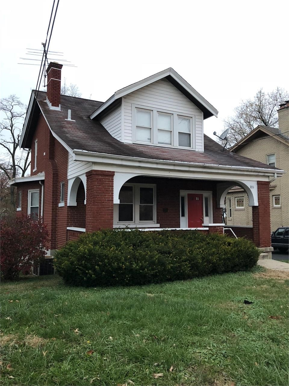 Selling Absolute - 3211 Glenmore Ave., Cincinnati, OH 45211