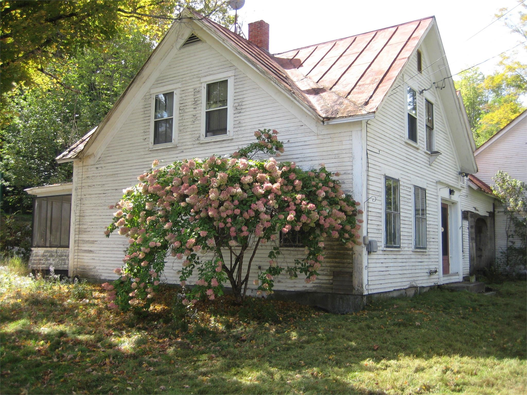 Vermont Farmhouse with Barn on 12.4 Acres! (ONLINE AUCTION)