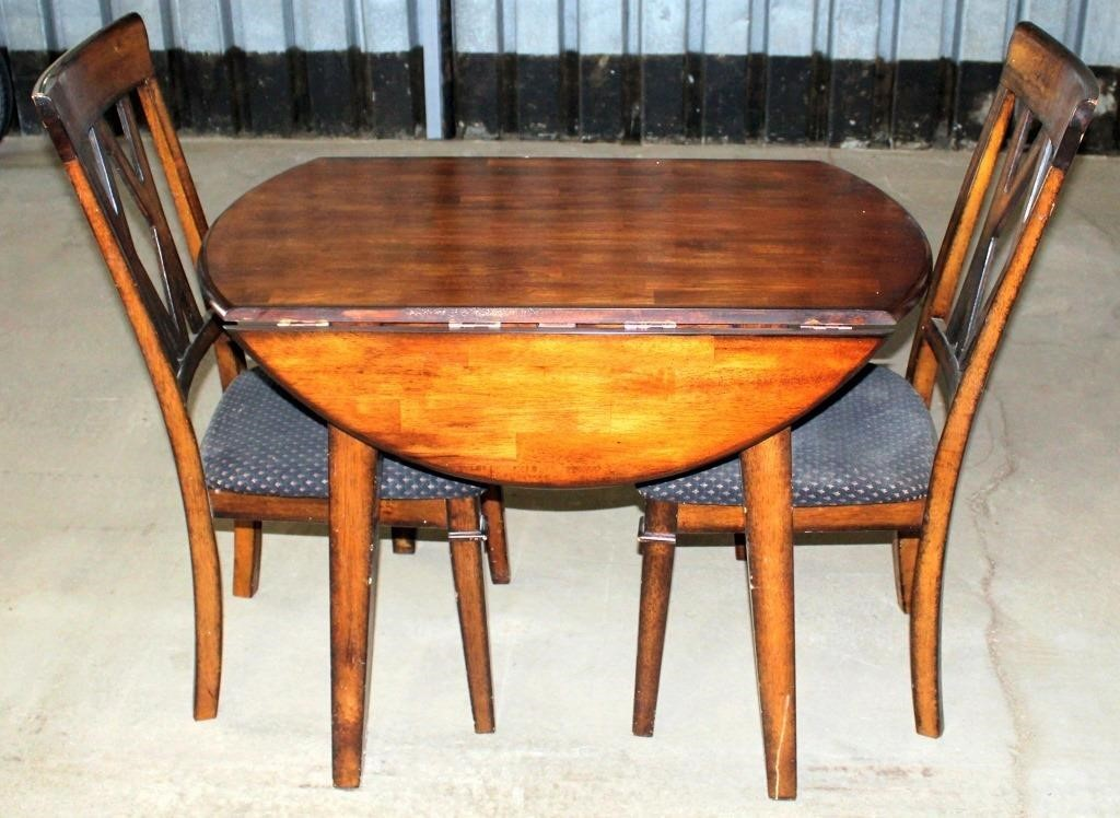 Small Drop Down Table w/2- Chairs