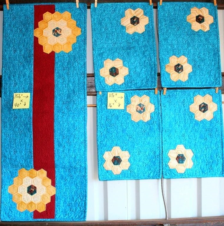 "Small Handmade Quilted Runner & 4 Placemats, 15""x40""; 11""x16"""