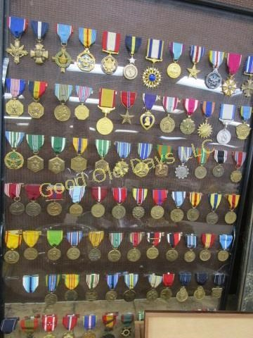 LARGE ANTIQUE, COLLECTIBLE AND COIN AUCTION