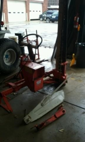 FORD TRACTOR & MACHINERY ONLINE AUCTION