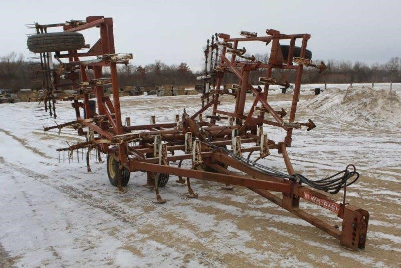 Wil-Rich 20FT Fold Up Digger w/Spring Tooth