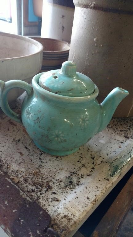 USA pottery tea pot