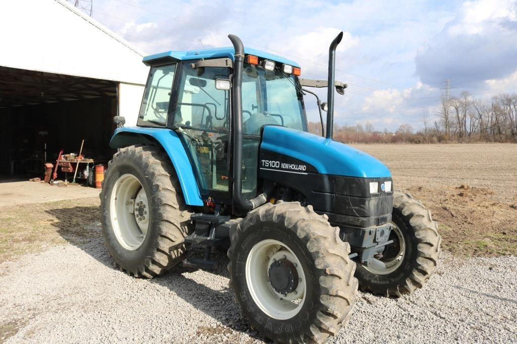 2000 New Holland TS100, 4 WD, cab