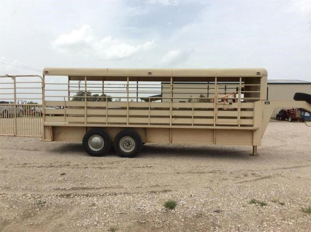 Bruton 20' cattle trailer, very nice unit f