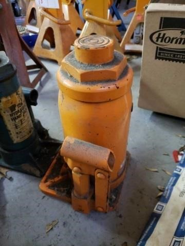ONLINE ONLY AUCTION: TOOLS, HOTROD, AND GARAGE FINDS