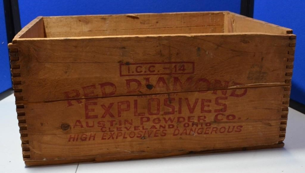 Wooden Red Diamond Explosive Crate