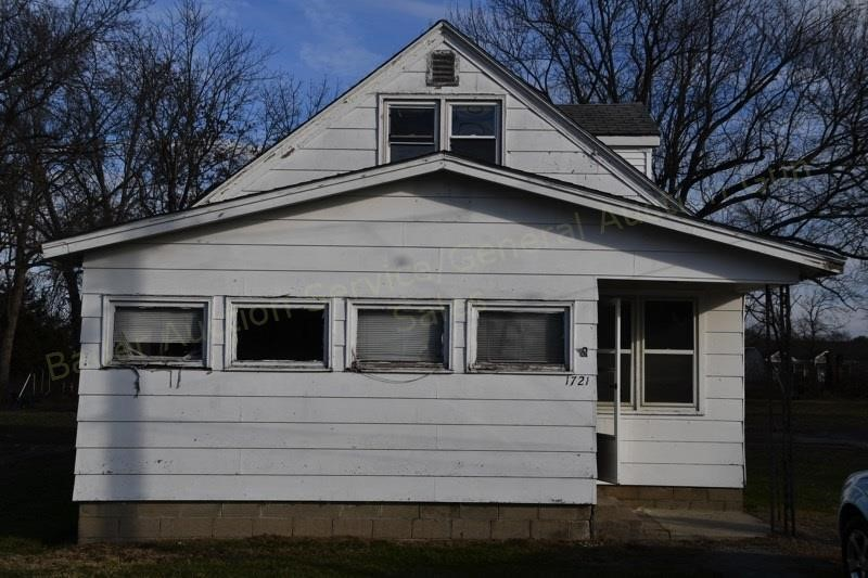 Thursday, Feb. 28th 12 Charleston, IL Homes at OnlineAuction