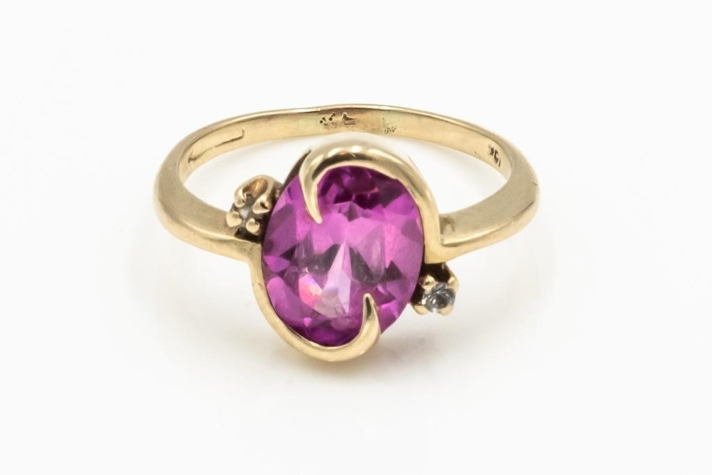 10k Gold Ring with Pink Stone, 2.8g - Size 6