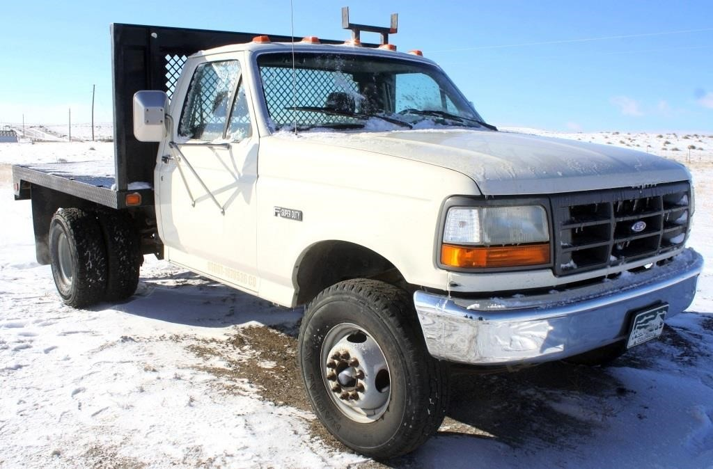 1992 Ford F-450 Pickup (view 2)