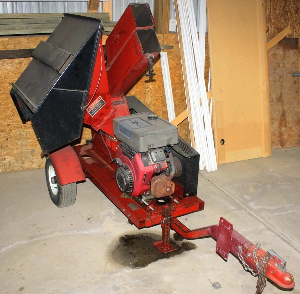Wood Chipper w/Vanguard gas eng on single axle bumper-pull trlr (view 1)