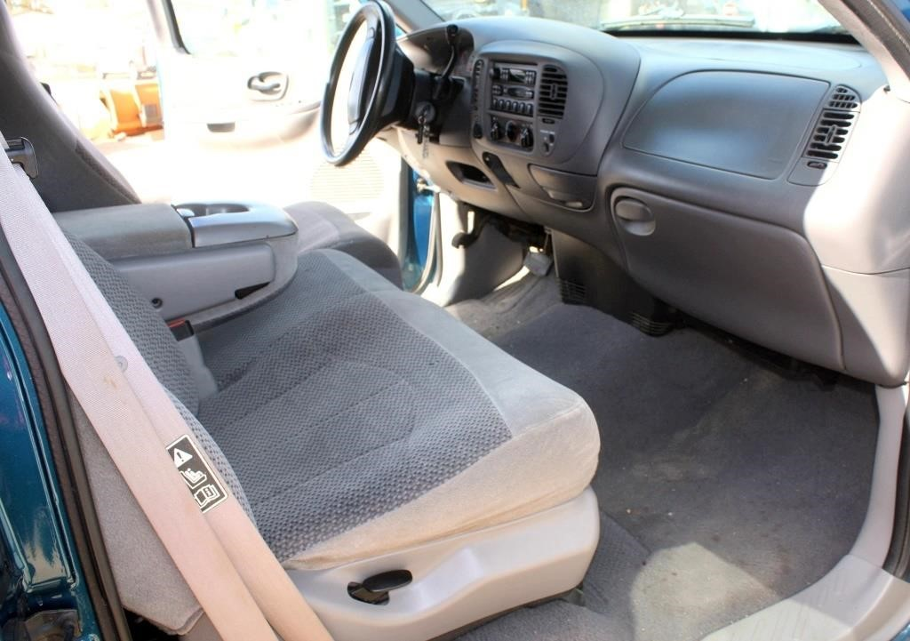 1999 Ford F-150 XLT PK (view 8)