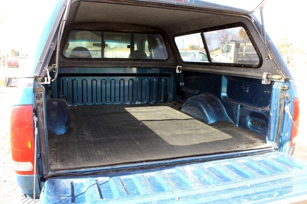 1999 Ford F-150 XLT PK (view 5)