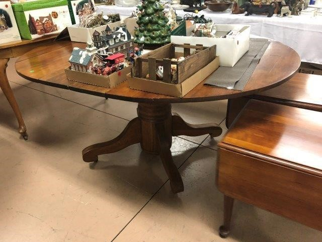 Absolute Auction   Furniture, Antiques, Collectibles, & More