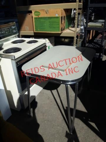CALGARY LIVE AUCTION STORE PRODUCTS SALE