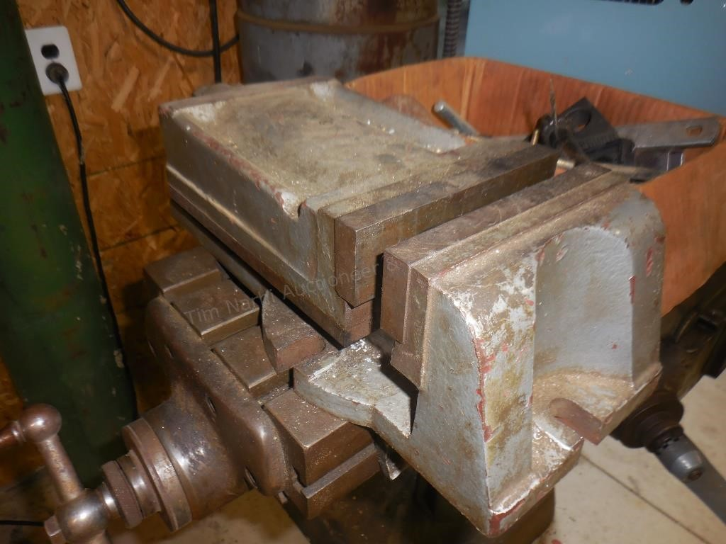 Vertical Mill vice