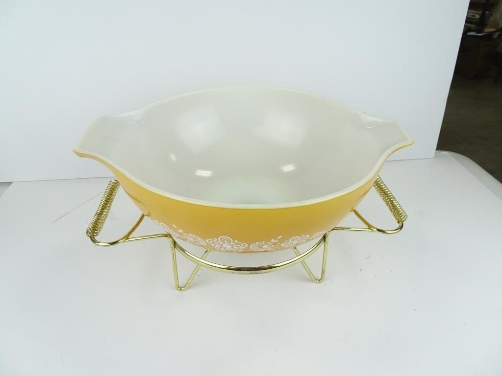 Vintage Pyrex, Estate Finds, New items, and More!
