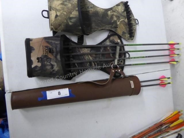 Arrows and 3 quivers