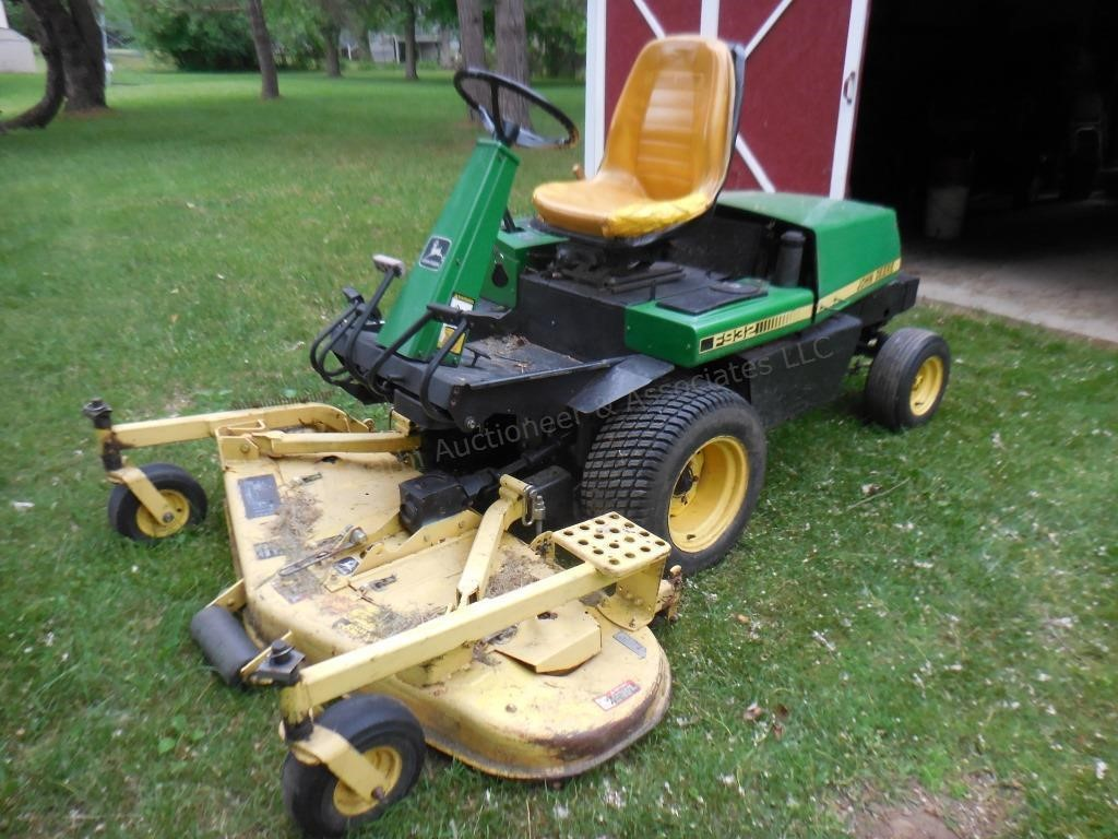 "John Deere F932 Mower (gas, 60"" front-runner with snow blade)"