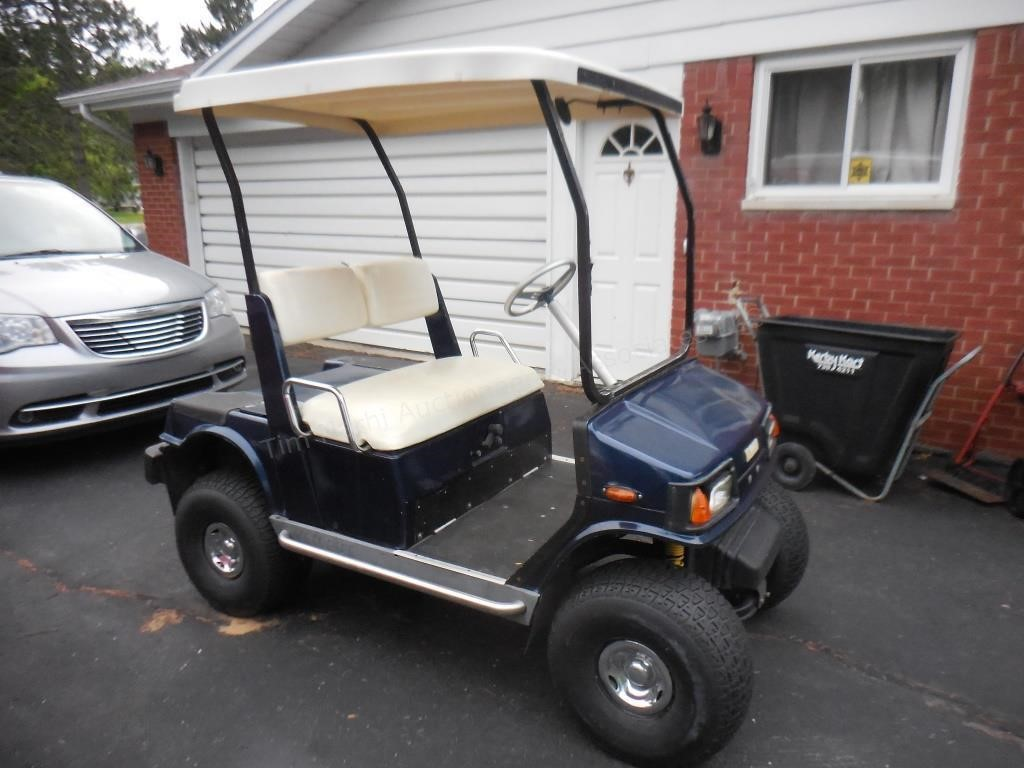 Yamaha Golf Cart (gas)