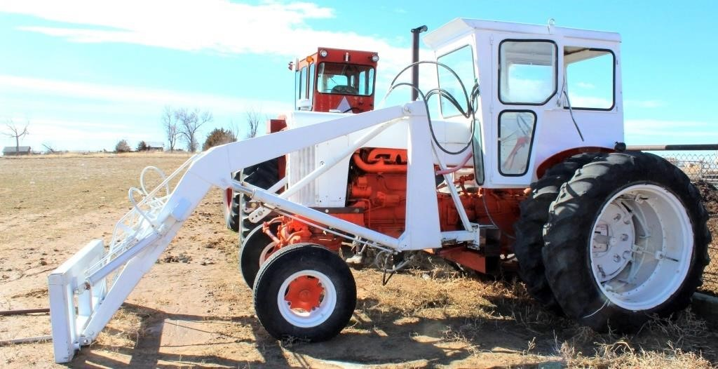 1964 Case 831C, 4-cyl gas eng, cab, FE loader, 3-pt, pto, SN: 8233815 (view 1)