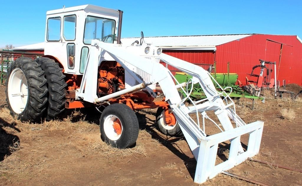 1964 Case 831C Tractor (view 3)