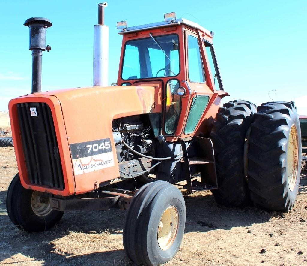 1979 AC 7045 Tractor (view 2)