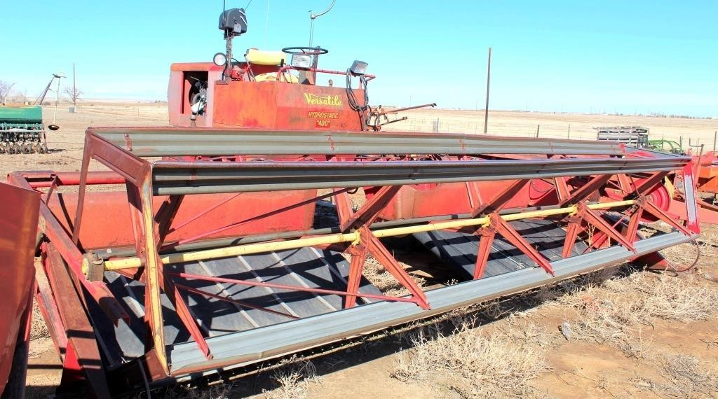 Versatile 400 SP Windrower, 6-cyl gas eng, hydrostatic drive, draper header, 17' (view 1)