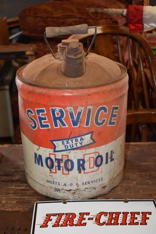 Service Motor Oil Can