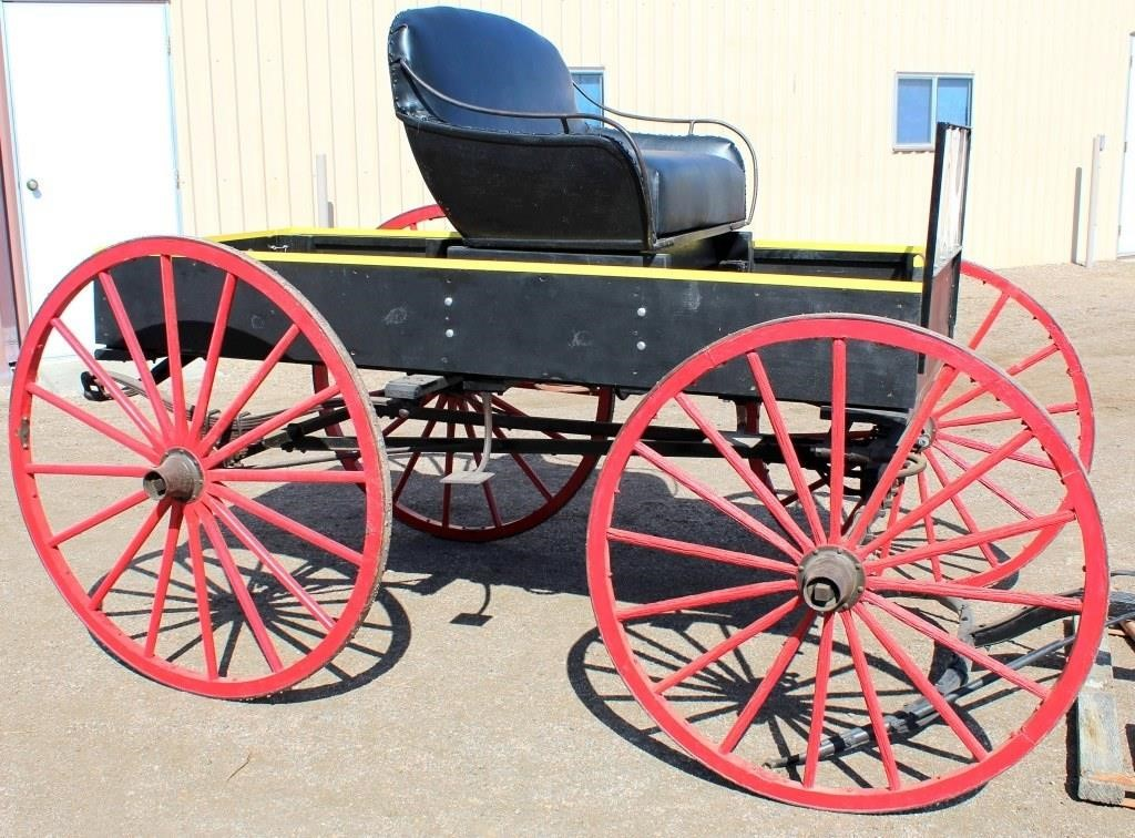 1910 Horse Drawn Buggy, good cond (view 1)