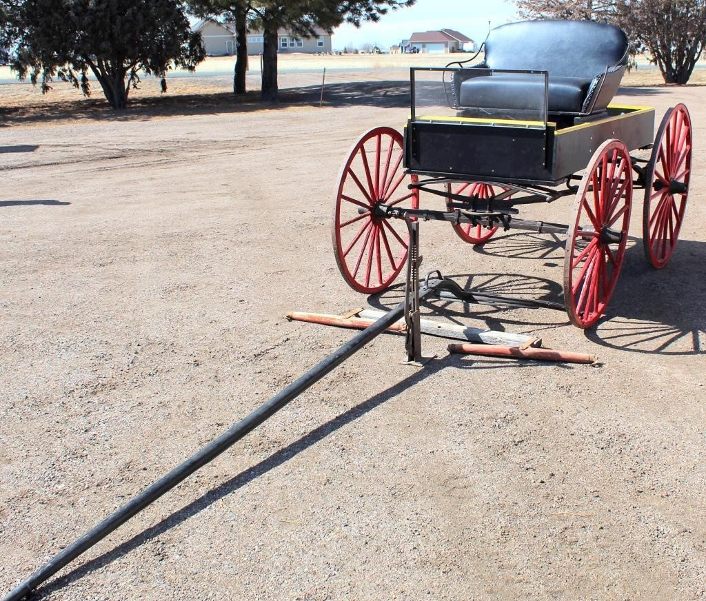 1910 Horse Drawn Buggy (view 2)