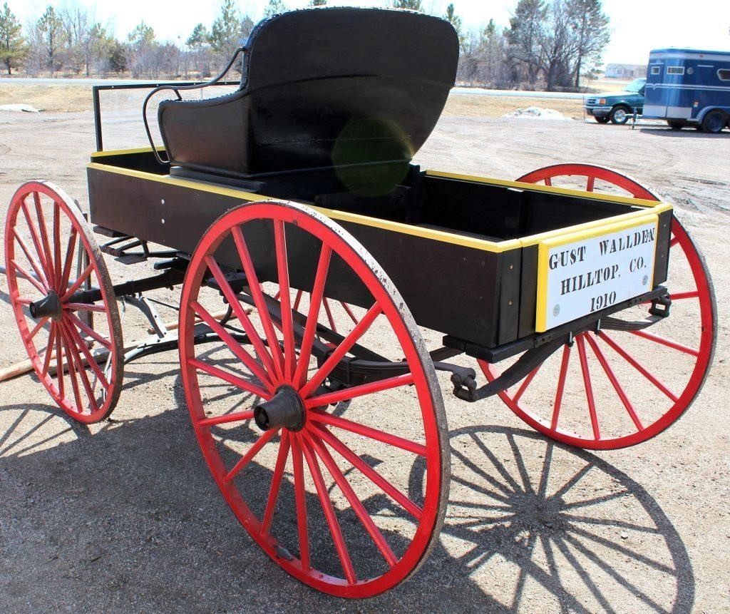 1910 Horse Drawn Buggy (view 3)