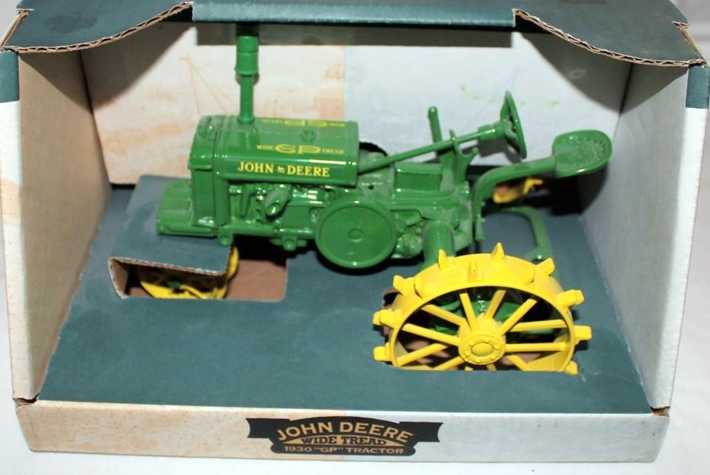 """1930 JD """"GP"""" Toy Tractor, 1/16 Scale"""