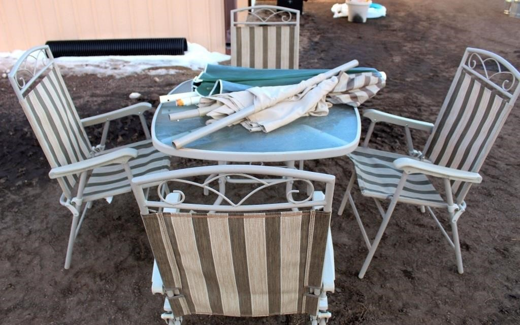Patio Table w/4-Chairs & Umbrella