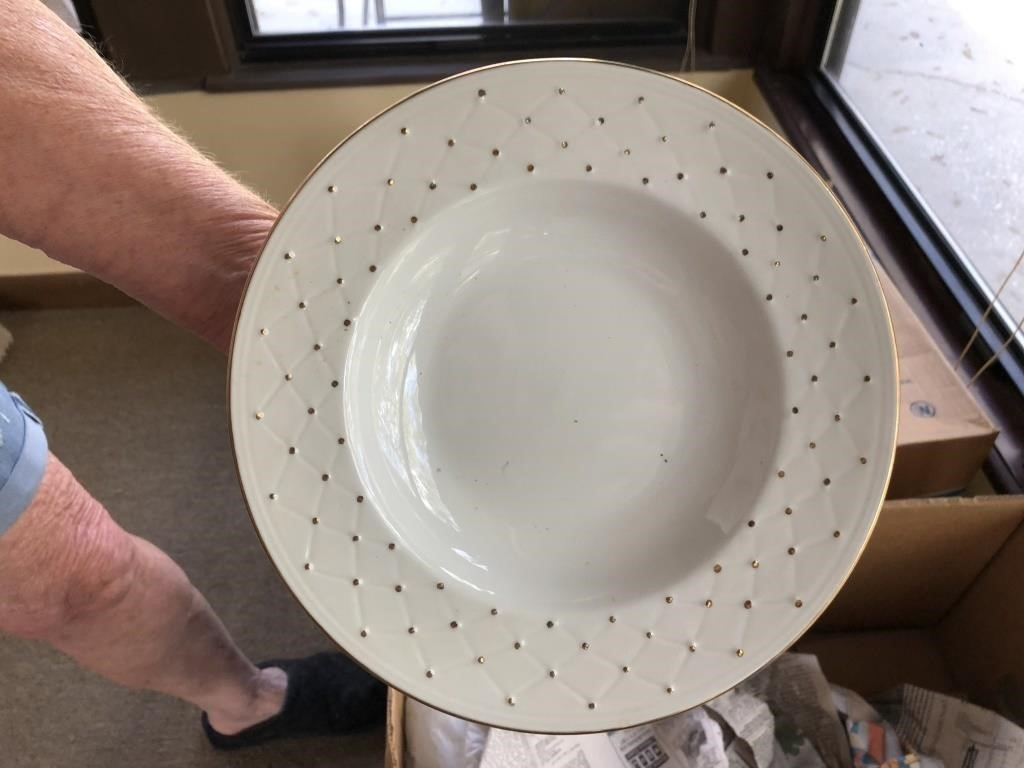 complet set of 8 dishes